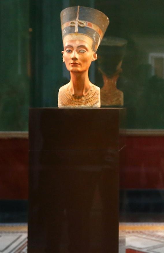 Busto de Nefertiti em exposição em Berlim © Getty Images