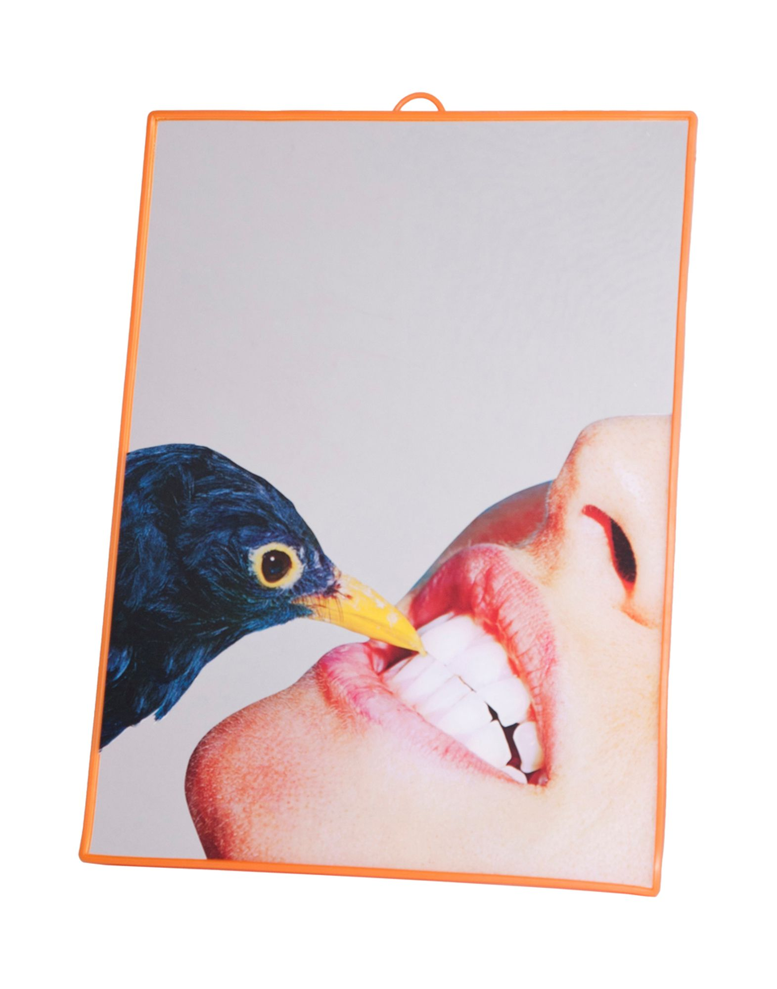 Espelho 29.5x22.5 cm, €24 Seletti wears Toiletpaper, Yoox.com