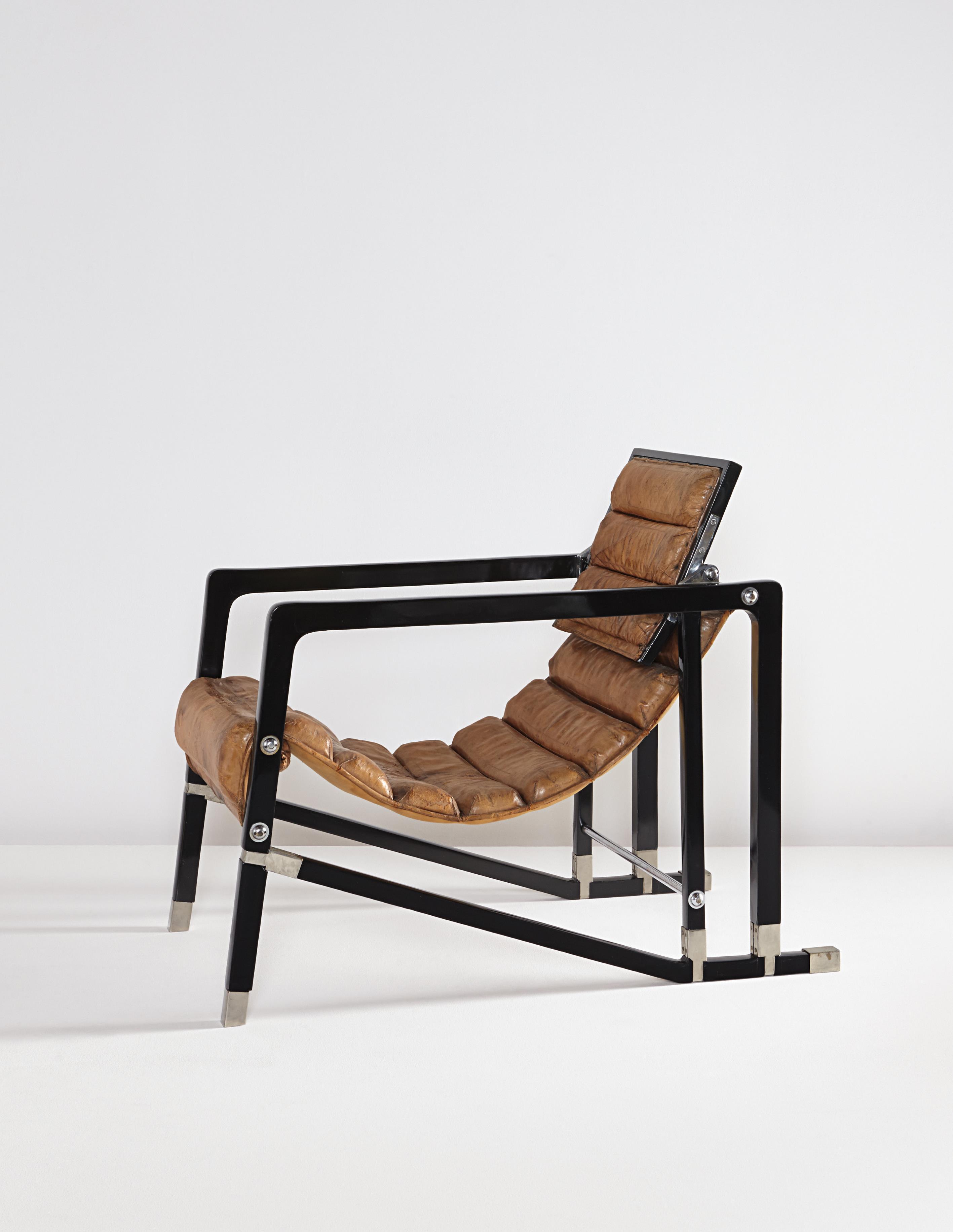 Cadeira Transat, desenhada por Eileen Gray, que pertencia ao Marajá de Indore, leiloada pela Phillips por mais de 1 milhão de euros.