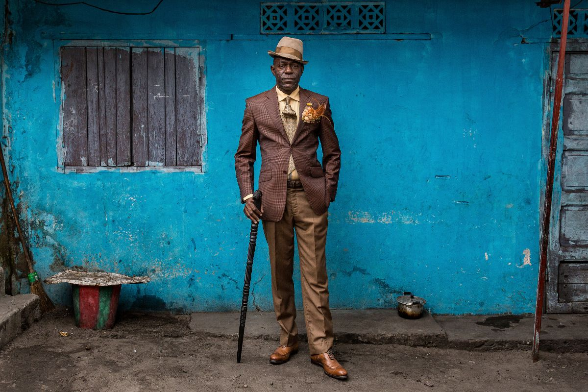 Basile Gandzion, 51-year-old human resources manager and sapeur for 30 years, in Brazzaville, 2017 © Tariq Zaidi