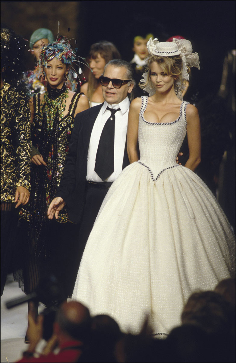 Karl Lagerfeld e Claudia Schiffer, 1992. ©Getty Images
