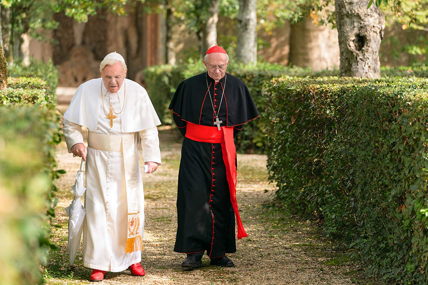 Anthony Hopkins e Jonathan Pryce em The Two Popes (2019) ©D.R.