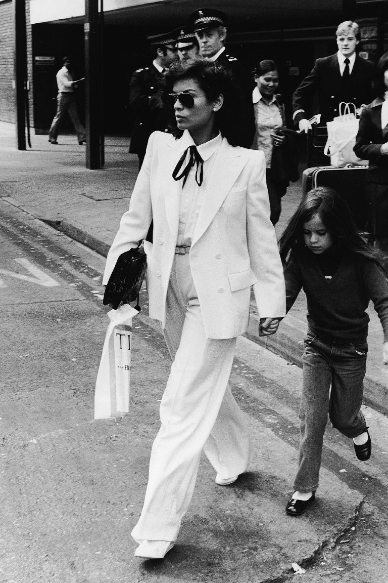 Bianca Jagger com o Le Smoking © Getty Images