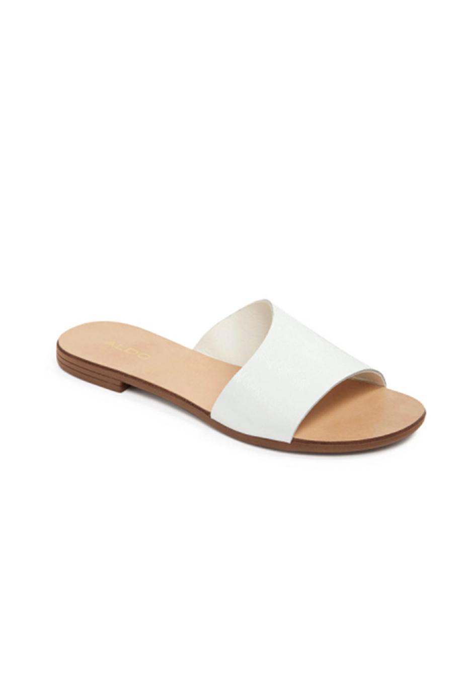 20 pares de sandálias rasas para um verão ultra confortável