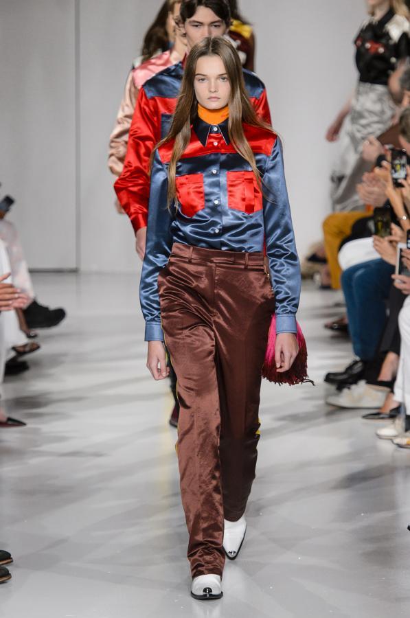 25915b347e3 Calvin Klein  Primavera Verão 2018